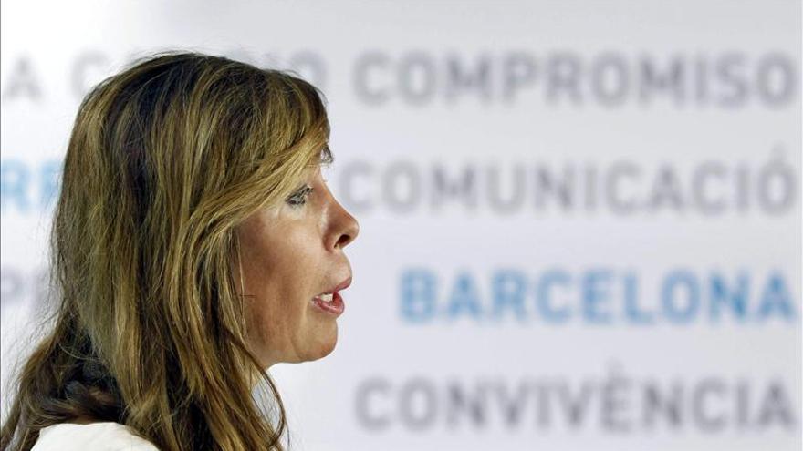 """Sánchez-Camacho dice a De Gispert que el Parlament no puede actuar con """"rebeldía"""""""