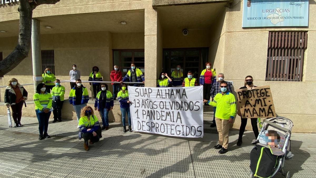 Técnicos del SUAP, este lunes, concentrados en Murcia