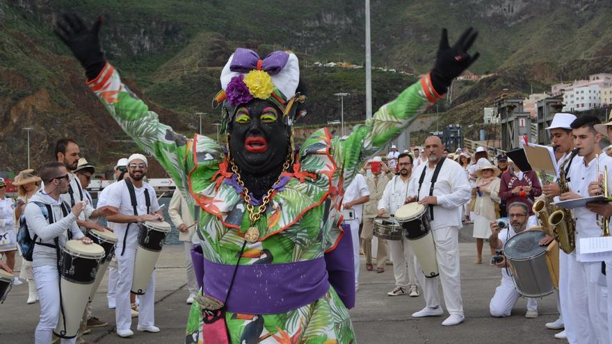 La Negra Tomasa a su llegada al Puerto.