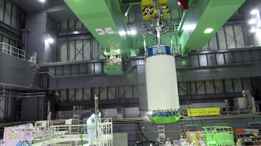 Se reanuda sin contratiempos la delicada retirada de combustible de la central de Fukushima