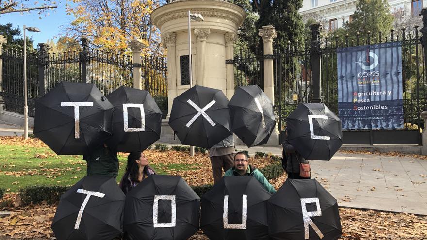 Final del 'Toxic Tour' frente al Ministerio de Agricultura, Pesca y Alimentación.