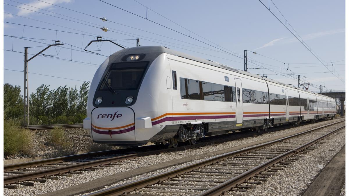 Archivo - Tren de Renfe