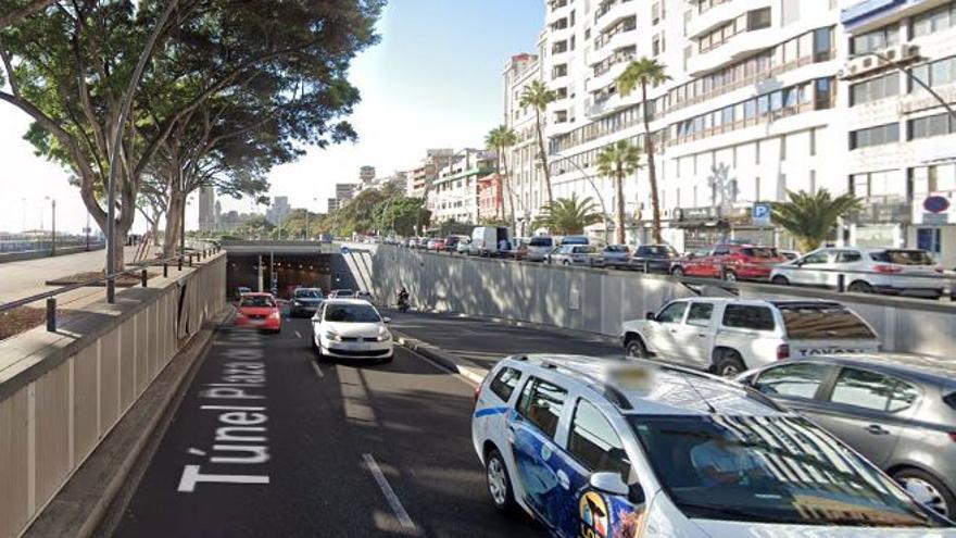 Cerrado el acceso al túnel de la plaza de España, en Santa Cruz de Tenerife, ante el colapso de un desagüe