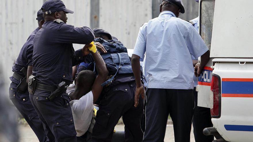 Al menos 10 jóvenes detenidos por protetar, en la víspera de las elecciones generales en Angola