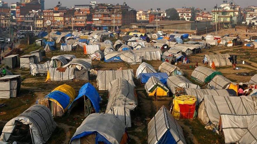 Organismos internacionales denuncian la situación en Nepal un año después del seísmo