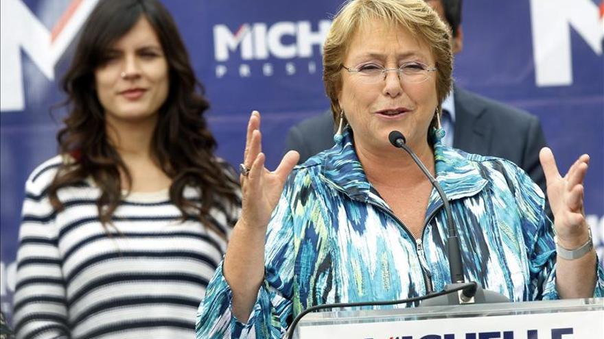 Bachelet destaca el aumento de la presencia femenina en política pero aboga por más
