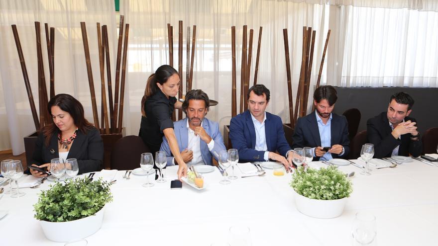 Gustavo Matos, diputado socialista en el Parlamento de Canarias, y Saúl Ramírez, diputado de Ciudadanos en el Congreso por Las Palmas.