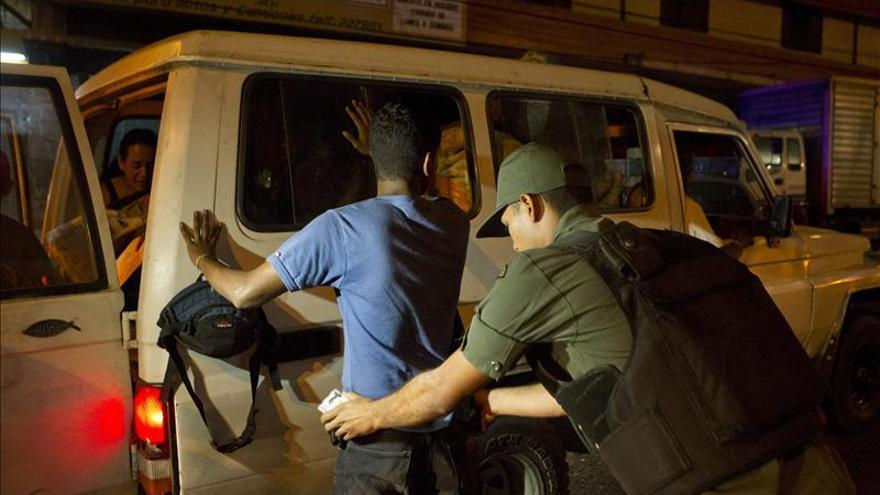 El mayor barrio de Caracas pone sus esperanzas de seguridad en el Ejército