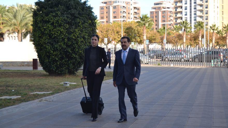 El exvicepresidente de la Diputación de Castellón, Francisco Martínez, a su llegada a la Audiencia Provincial de Castellón para ser juzgado.