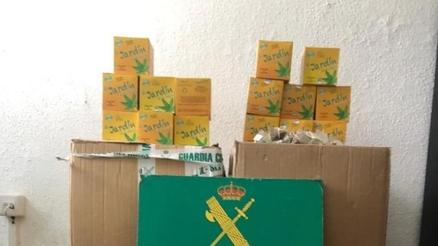 Intervenidos 10 kilos de infusiones de cannabis en una bodega de Tenerife.