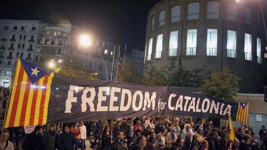 Concentración en Girona en contra de las detenciones de miembros del Govern