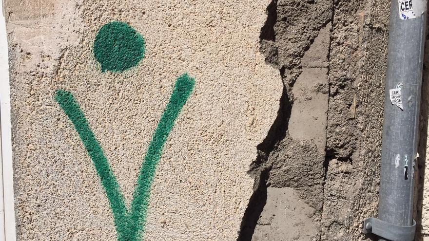 Señal en verde de una vivienda segura tras el terremoto de Lorca / M.J. Alarcón