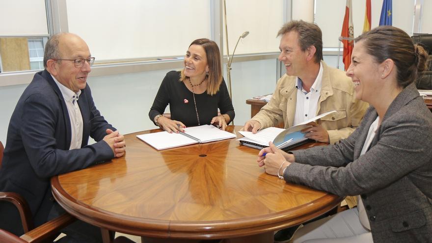 Los ayuntamientos podrán sumarse a los contratos marco del Gobierno para ahorrar costes