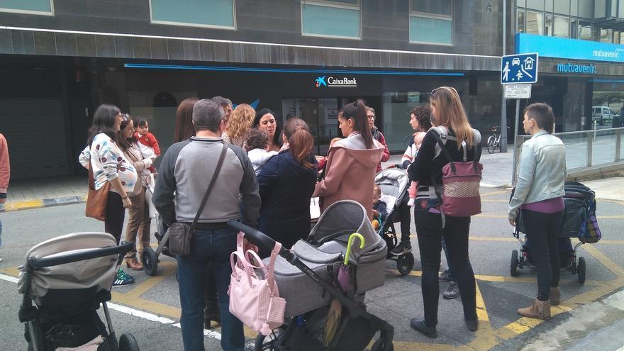 """Madres navarras esperan que el Gobierno """"cambie de criterio"""" sobre la retención de IRPF y no descartan la vía judicial"""
