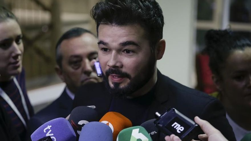 Rufián (ERC) acusa a Heredia (PSOE) de mostrar un vídeo falso sobre él