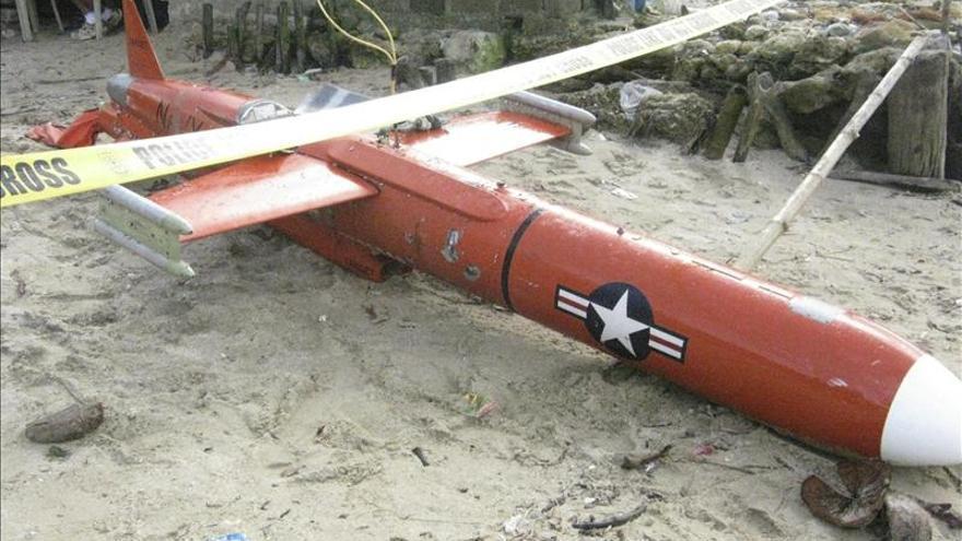 Un avión no tripulado estadounidense que fue hallado en una playa filipina tras precipitarse a tierra.