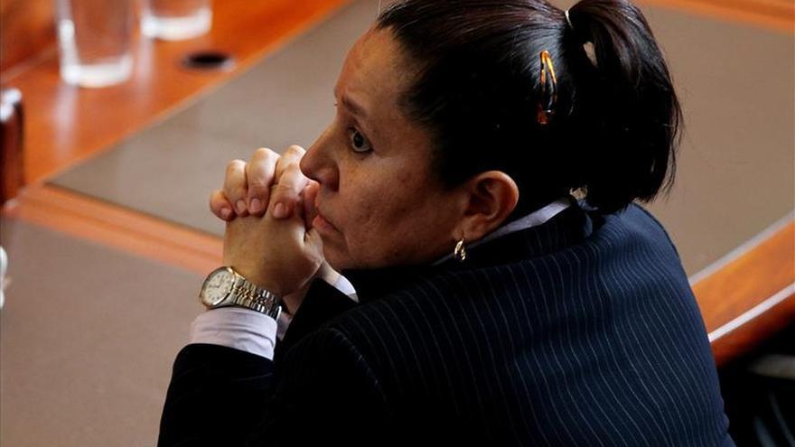 Uribe pide a la exjefa de inteligencia que revele los detalles del espionaje