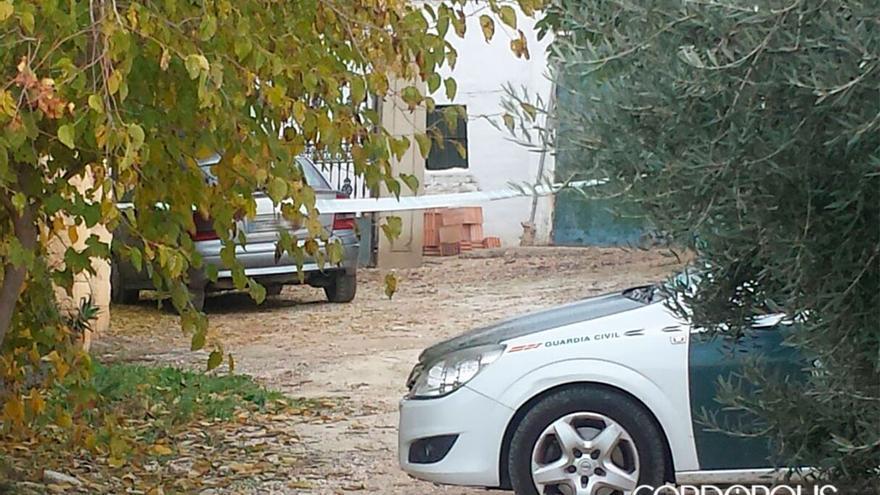 Guardia Civil, en un lugar donde se produjo un asesinato en Montilla | CRISTIAN LÓPEZ