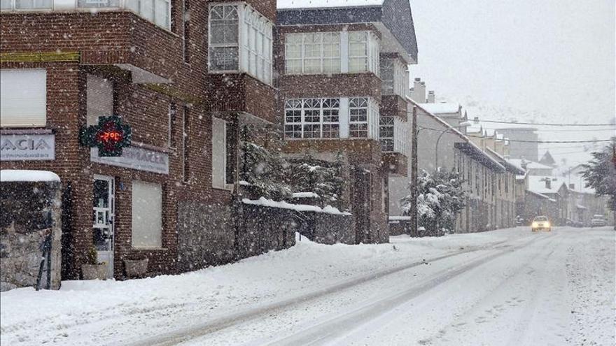 Toda España en alerta por el temporal de nieve y viento