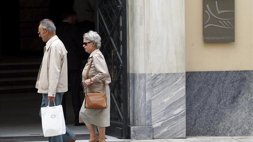 El fondo de rescate aprueba 2.720 millones para recapitalizar el Piraeus
