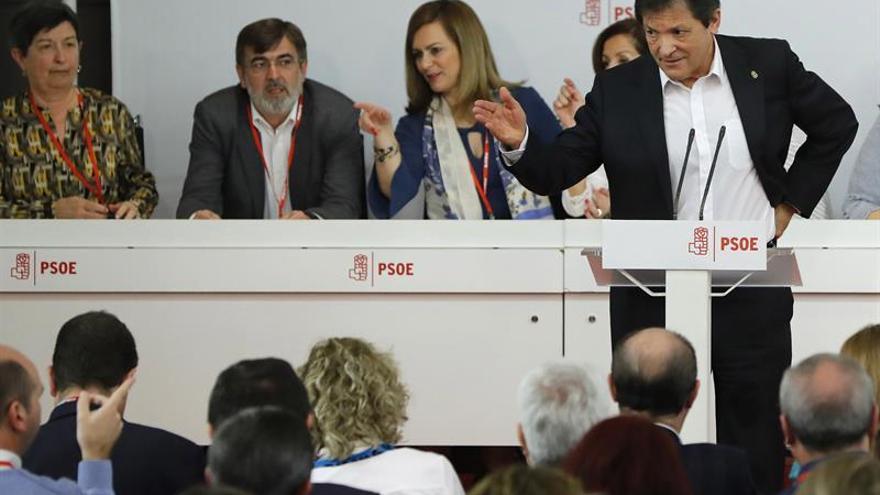 El presidente de la gestora, Javier Fernández, ante el Comité Federal.