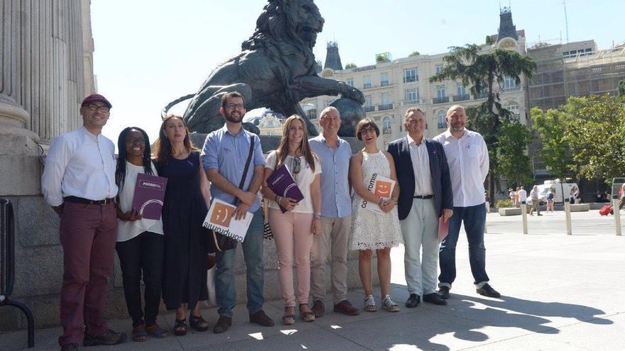 Imagen de los parlamentarios de la coalición 'A la Valenciana'