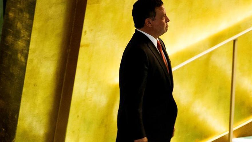 El rey de Jordania pide al primer ministro que forme un nuevo Gobierno
