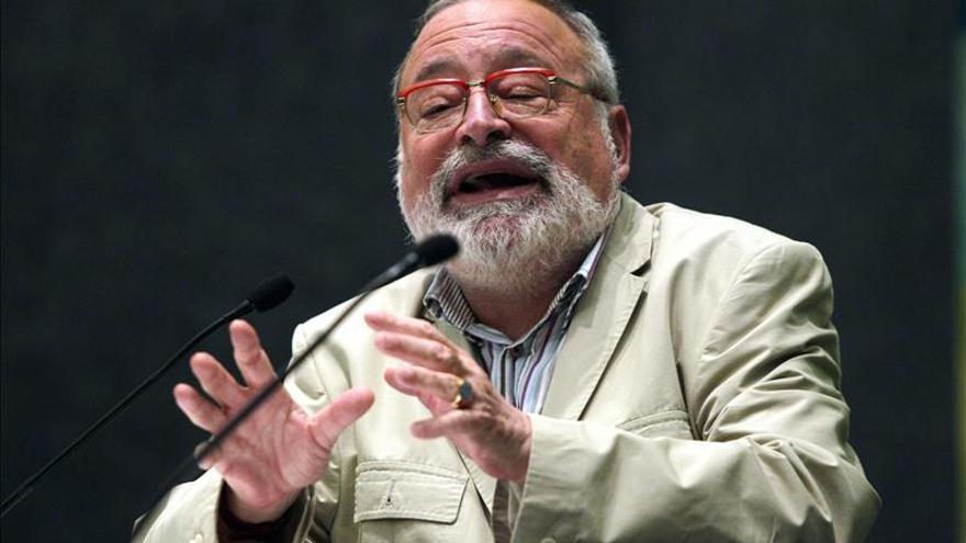 """Savater afirma que hay políticos inmorales, pero también """"ciudadanos tontos que les votan"""""""