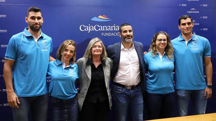 Samuel García (primero por la izquierda) este martes en rueda de prensa.
