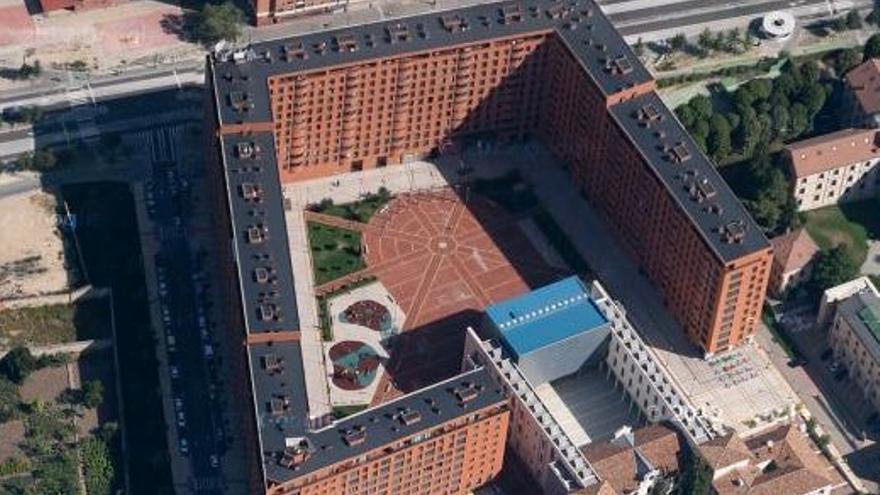El edificio donde se encuentra el ático de Lacalle
