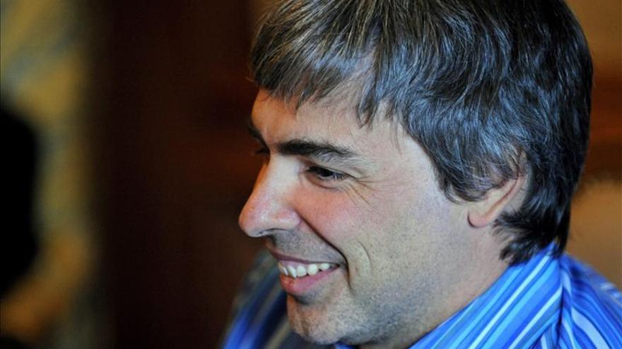 """Larry Page revela que padece """"rara"""" enfermedad en las cuerdas vocales"""