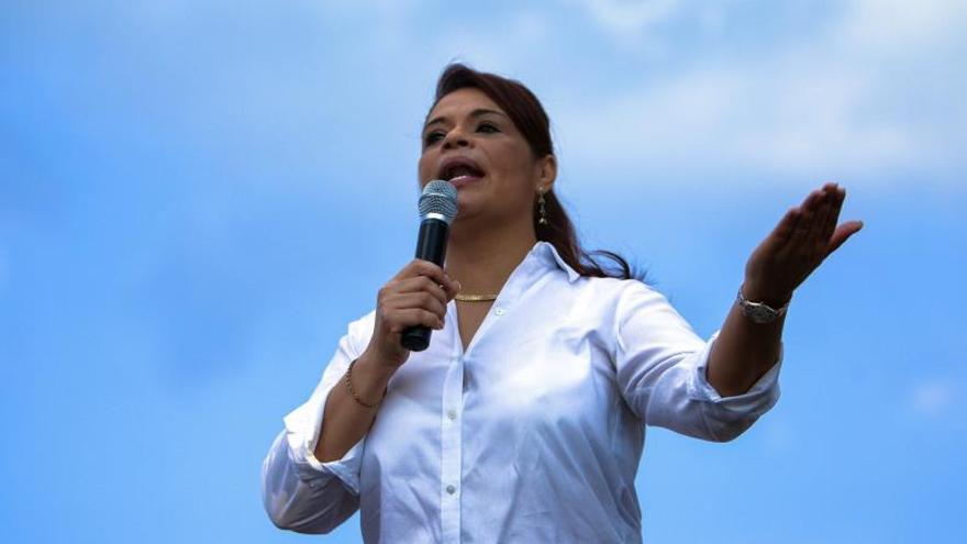 Vicepresidenta Guatemala recibe alta médica tras ataque con supuesta harina