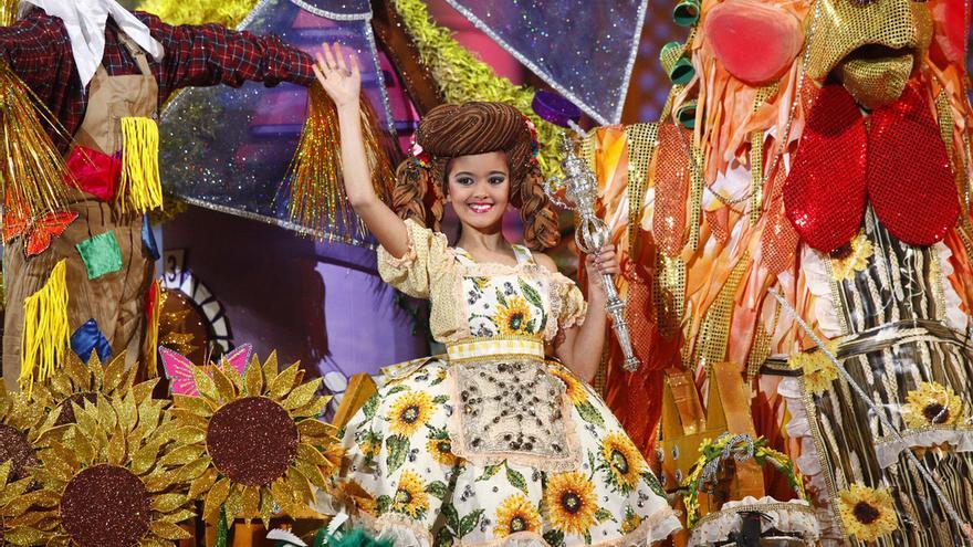 Alejandra García, Reina Infantil del Carnaval de 'Las mil y una noches'. FOTO: LpaCarnaval