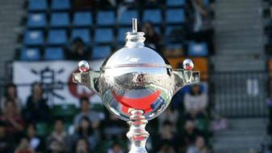 Tsonga vence y logra su tercer torneo del año