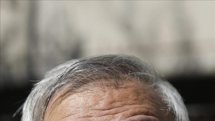 El arzobispo de Granada dice que su cargo está en manos de la Iglesia y del papa
