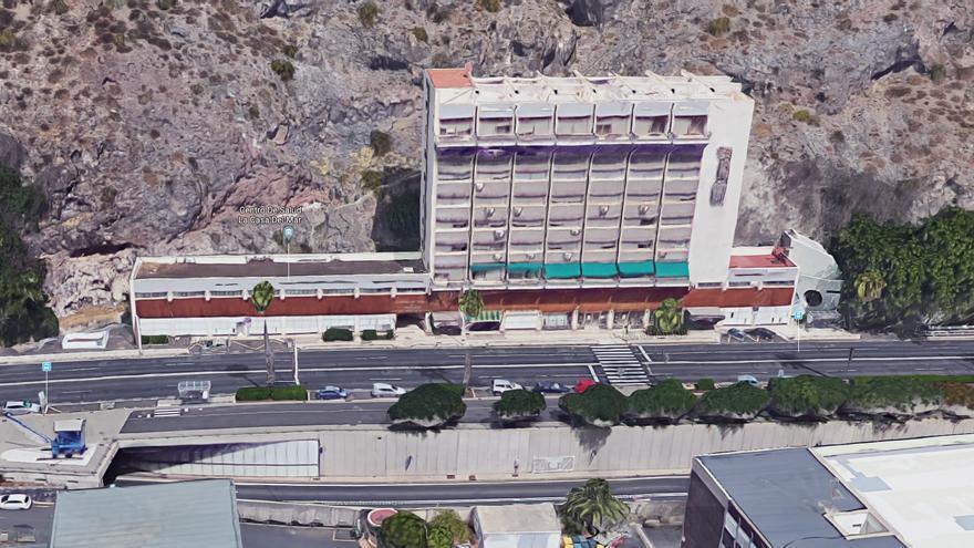 Vista del edificio de la Casa del Mar en Santa Cruz de Tenerife