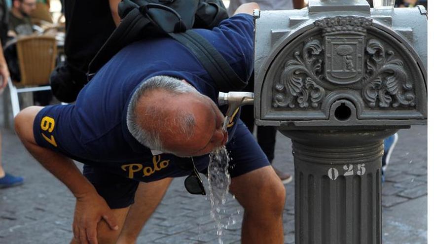 Bruselas quiere que los ciudadanos confíen y beban más agua del grifo
