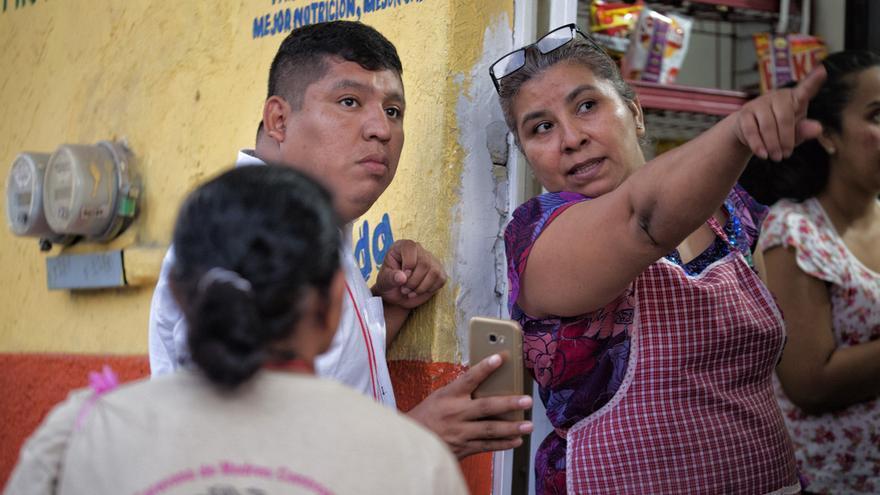 Doña Pilar y Rubén Figueroa, de la caravana, en Tuxtla Gutiérrez.
