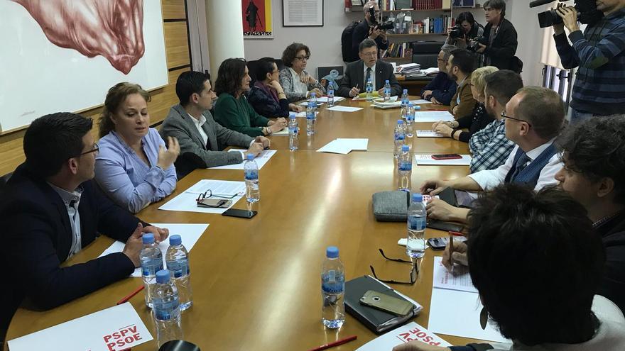 El secretariado de la ejecutiva del PSPV-PSOE durante la reunión.