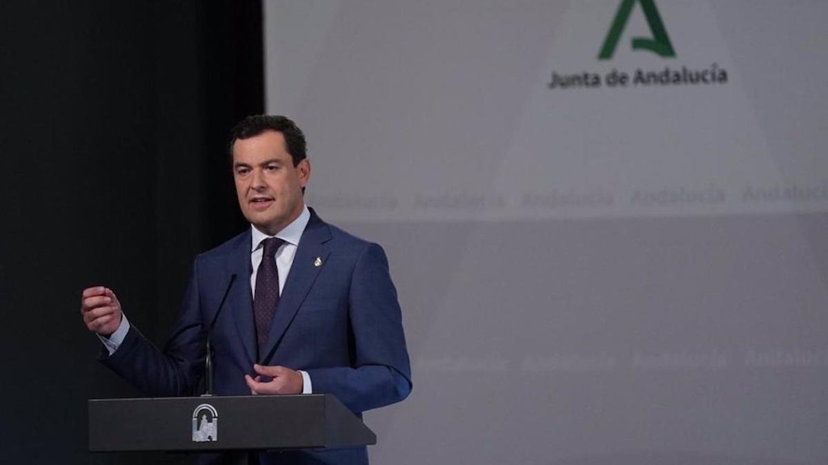 El presidente de la Junta, Juanma Moreno, durante una comparecencia en el Palacio de San Telmo.