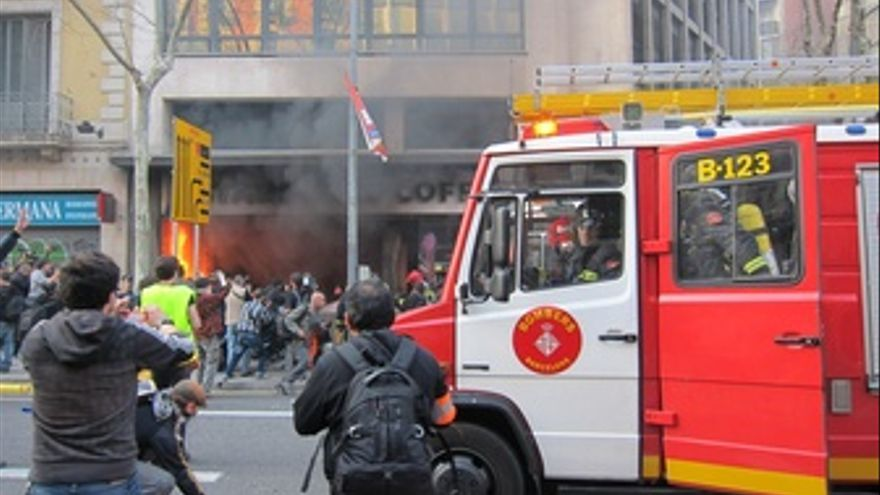 Disturbios Durante La Huelga En Barcelona 29M