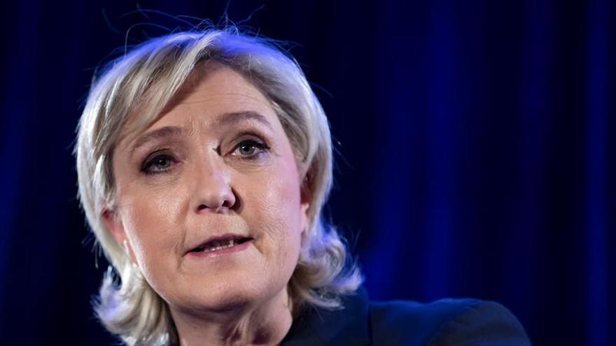 Le Pen niega haber reconocido el empleo ficticio de su guardaespaldas
