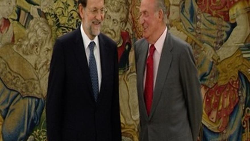Rajoy analiza con el Rey la ayuda de los 400 euros