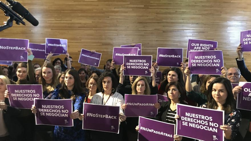 Concentración del #MeTooEP contra Vox en el Parlamento Europeo.