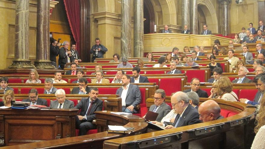 El Parlament catalán rechaza sancionar las 'estelades' en espacios públicos