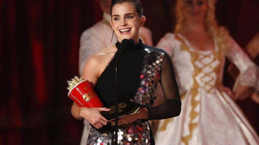 """Emma Watson recoge el primer premio MTV """"libre de género"""""""