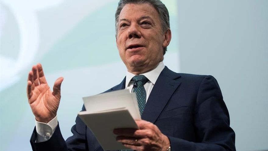 Juan Manuel Santos llega a Emiratos Árabes Unidos para una visita de dos días