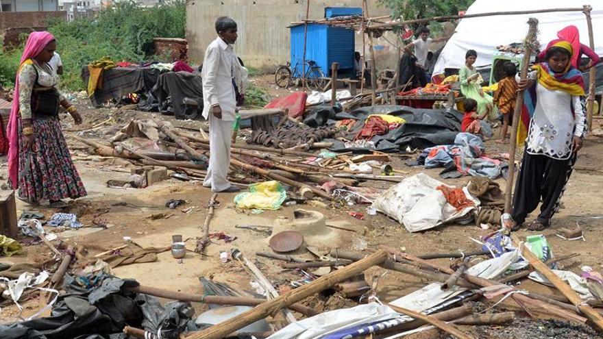 Dos nuevos muertos y más heridos por las tormentas en la India