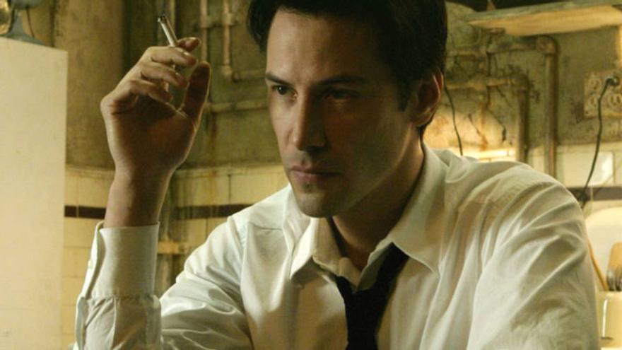 Keanu Reeves como Constantine en la película de 2005