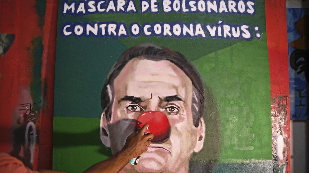 Bolsonaro salió a responderle a los partidarios de Lula frente a encuestas adversas.